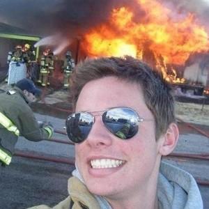 funny-selfie-fireman-