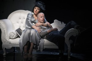 Tracy-Ann Oberman as Isabella Blow and Stephen Wight as Lee in McQueen credit Specular (2)