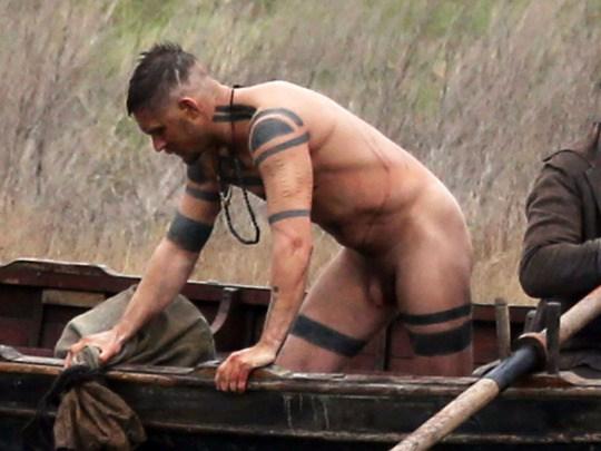tom-hardy-naked6